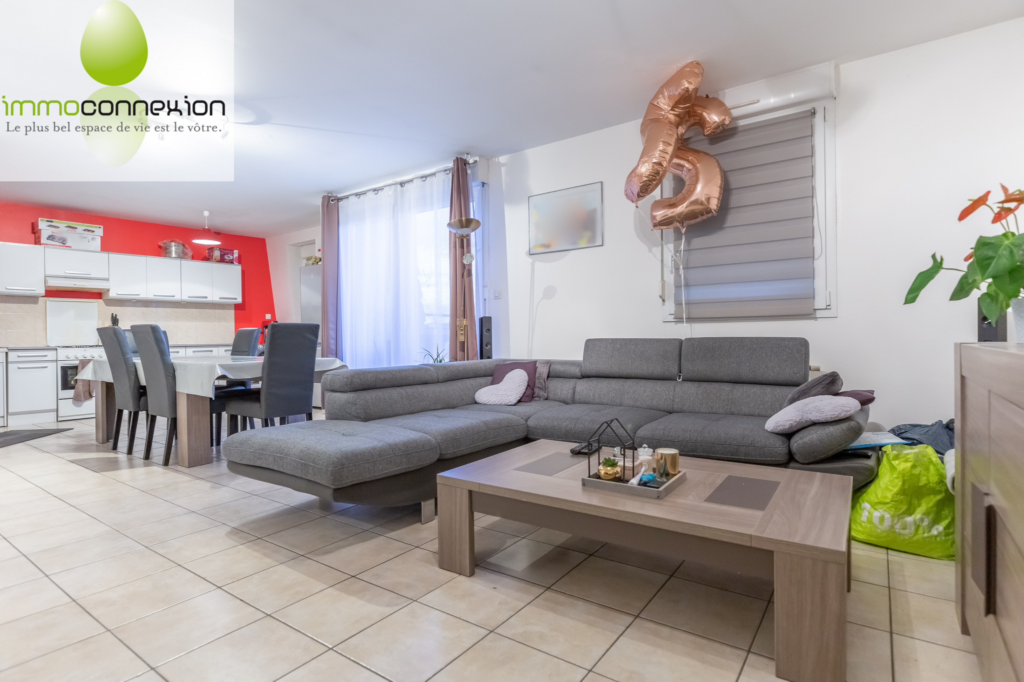 APPARTEMENT TREMERY SALON